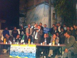 mohand ikarban lors d'un meeting populaire a timizart